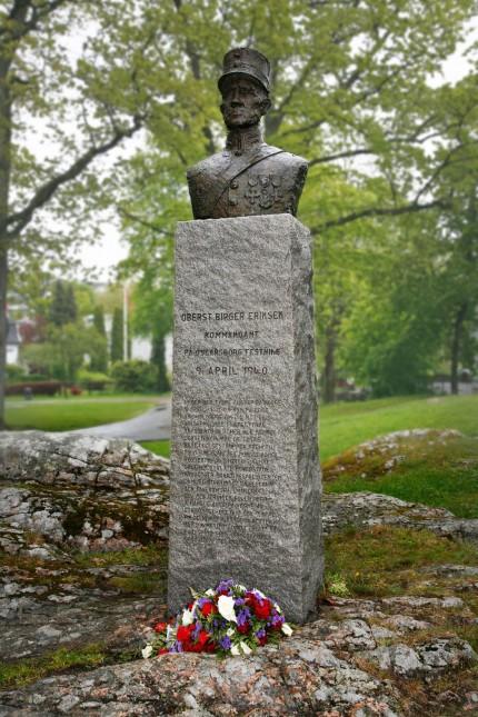 The statue of Colonel Birger Eeriksen.